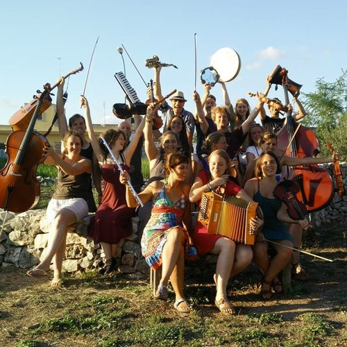 401-2021 ensemble folk.jpg